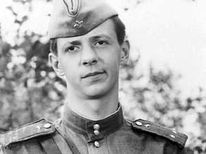 Роль лейтенанта Александрова («Кузнечика»)<br>в фильме «В бой идут одни «старики». 1973.