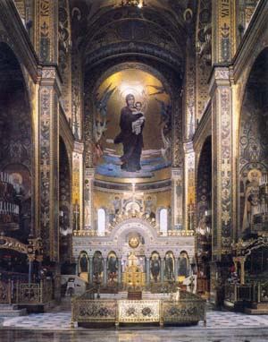 Интерьер Владимирского собора в Киеве.